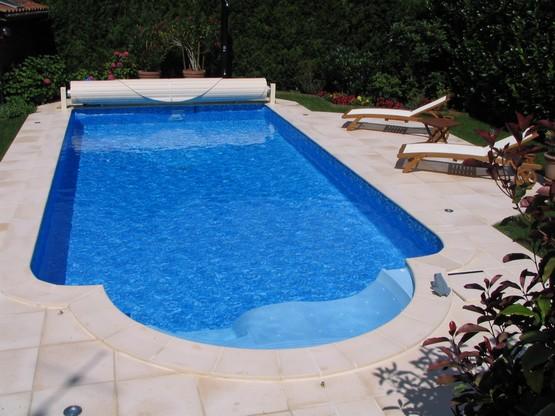 piscine gironde quipements piscine constructeur et vendeur de piscines en gironde. Black Bedroom Furniture Sets. Home Design Ideas